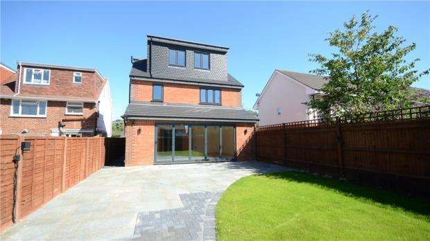 4 Bedrooms Detached House for sale in Keepers Farm Close, Windsor, Berkshire