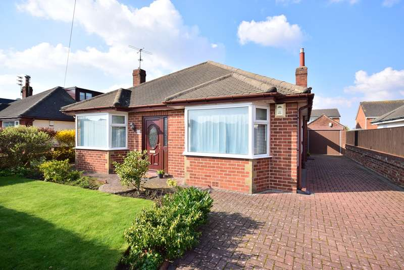2 Bedrooms Detached Bungalow for sale in Clive Avenue, Lytham St Annes, FY8
