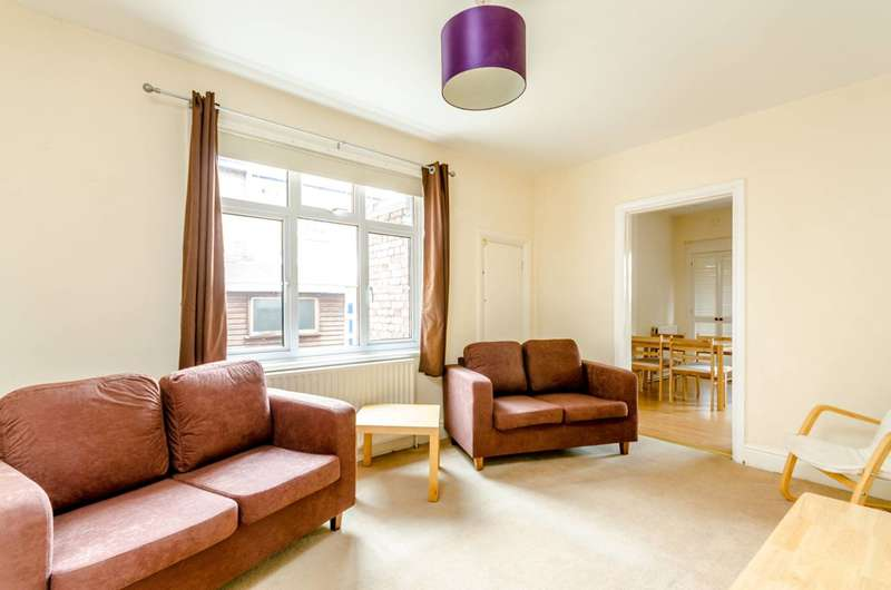 4 Bedrooms Maisonette Flat for sale in Strickland Row, Earlsfield, SW18