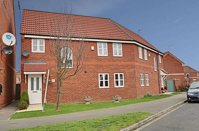 3 Bedrooms Semi Detached House for sale in Whisperwood Way, Hull
