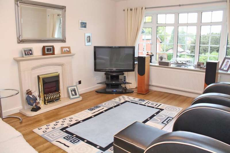 2 Bedrooms Apartment Flat for sale in Richmond Court, Richmond Road, Bowdon, Altrincham, WA14
