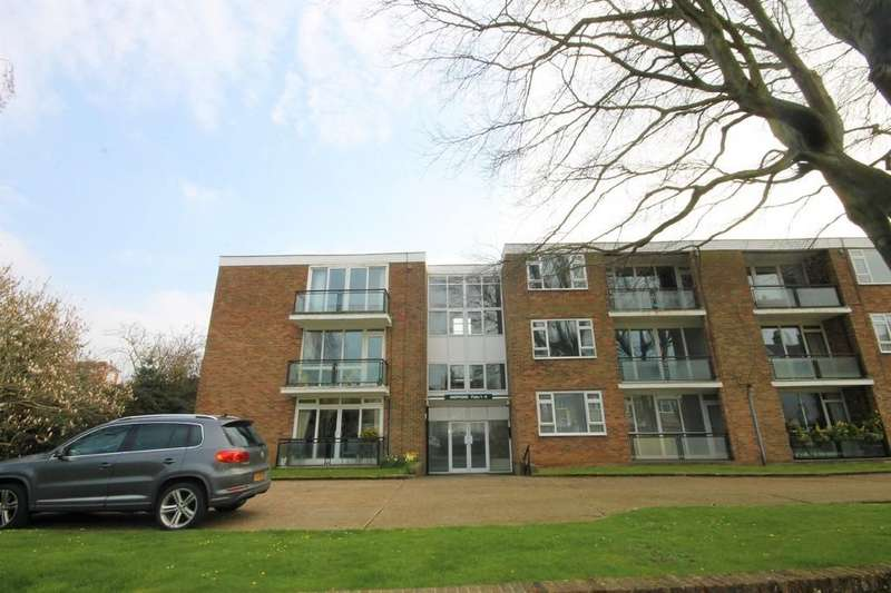 2 Bedrooms Ground Flat for sale in Weppons, Ravens Road, Shoreham-by-Sea