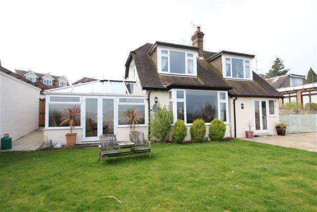 3 Bedrooms Detached House for sale in Mill Lane, High Salvington, Worthing, West Sussex, BN13 3DE