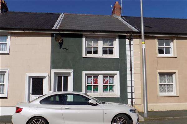 3 Bedrooms Terraced House for sale in Robert Street, Milford Haven