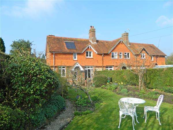 3 Bedrooms House for sale in South View Cottage, 22 Southview, The Alley, Midhurst