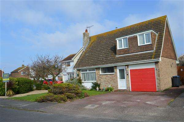 4 Bedrooms Detached House for sale in Grenville Gardens, Birchington