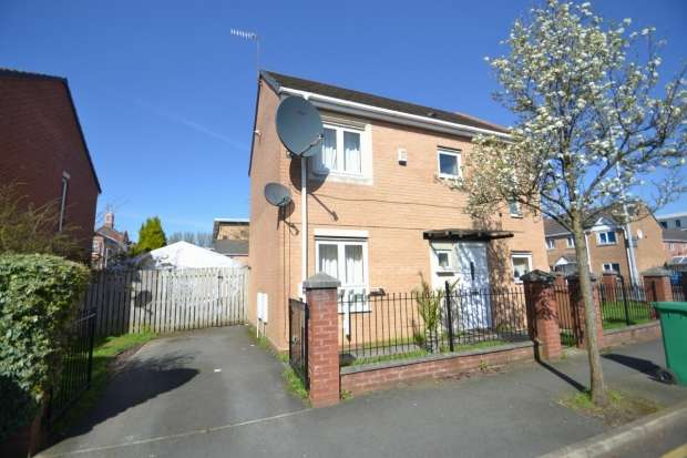 3 Bedrooms Semi Detached House for sale in Warde Street Hulme, M15 5tg Manchester