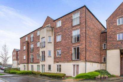 2 Bedrooms Flat for sale in Heron House, Brinkworth Terrace, York, North Yorkshire