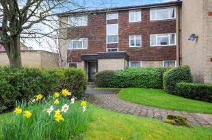 1 Bedroom Flat for sale in Bardsley Close, Park Hill, Croydon, Surrey