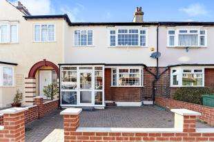 3 Bedrooms Terraced House for sale in Strathbrook Road, London