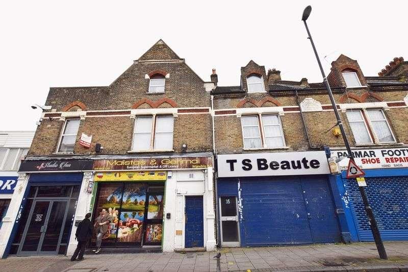 2 Bedrooms Flat for sale in Herbert Road, Plumstead