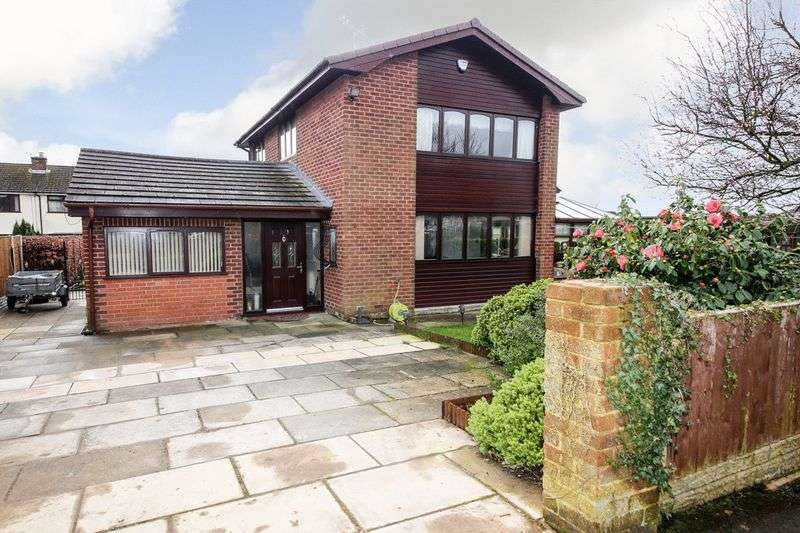 4 Bedrooms Detached House for sale in Balniel Walk, Whelley