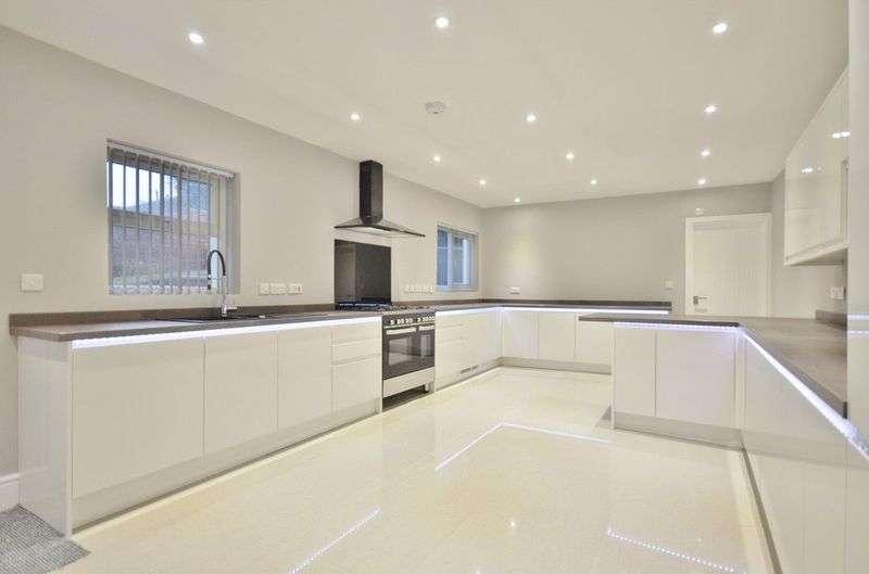 6 Bedrooms Semi Detached House for sale in Banklands, Workington