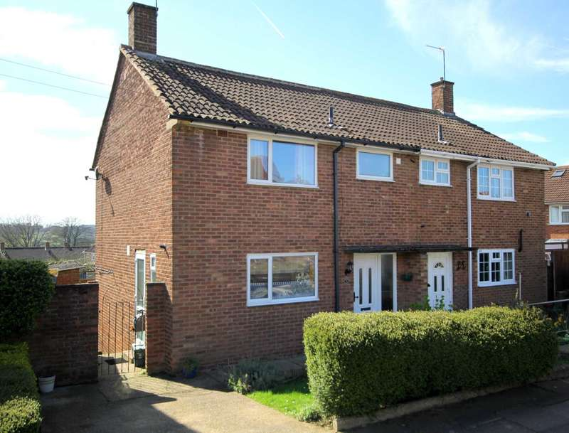 3 Bedrooms Semi Detached House for sale in 3 BED SEMI-DETACHED WITH OFF ROAD PARKING IN Sanders Road, HP3