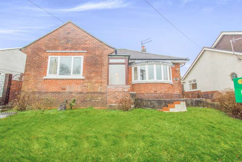 3 Bedrooms Detached Bungalow for sale in Lynton Terrace, Llanrumney, CARDIFF