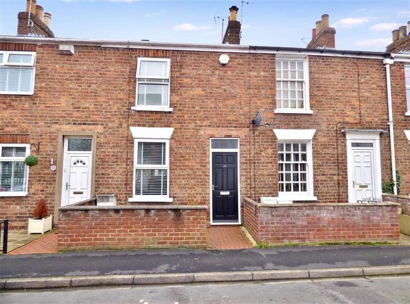2 Bedrooms Terraced House for sale in Norwood Far Grove, Beverley