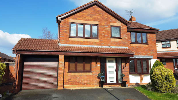 4 Bedrooms Detached House for sale in Wedgwood Close, Wolverhampton, WV5