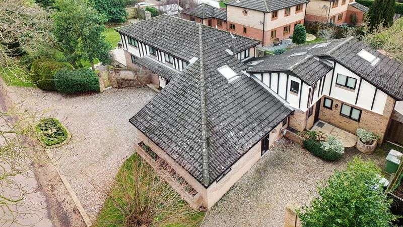 4 Bedrooms Detached House for sale in EAST AVENUE, BRUNDALL