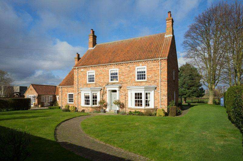 5 Bedrooms House for sale in Boroughbridge Road, York