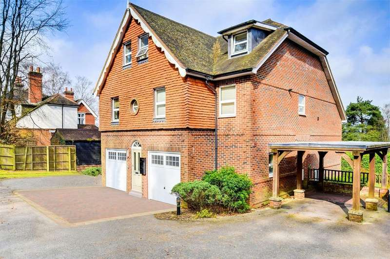 2 Bedrooms Flat for sale in 2 Courts Hill Road, HASLEMERE