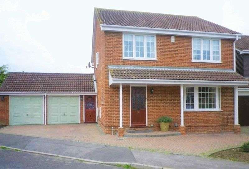 4 Bedrooms Detached House for rent in Coriander Way, Lower Earley, Reading RG6