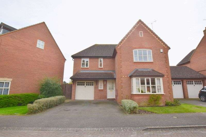 4 Bedrooms Detached House for sale in Langton Drive, Two Mile Ash, Milton Keynes