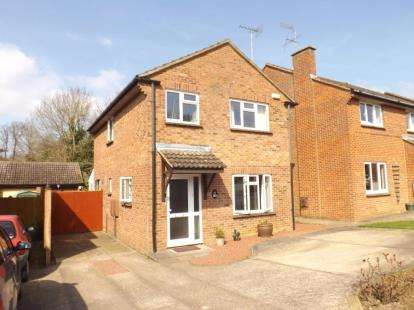 Detached House for sale in Chesterfield Crescent, Wing, Leighton Buzzard