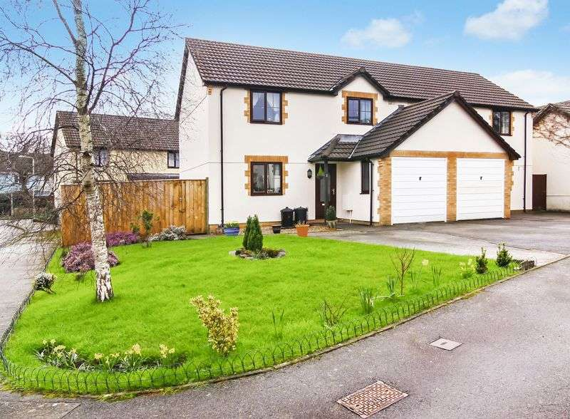 3 Bedrooms Semi Detached House for sale in Pearse Close, Hatherleigh