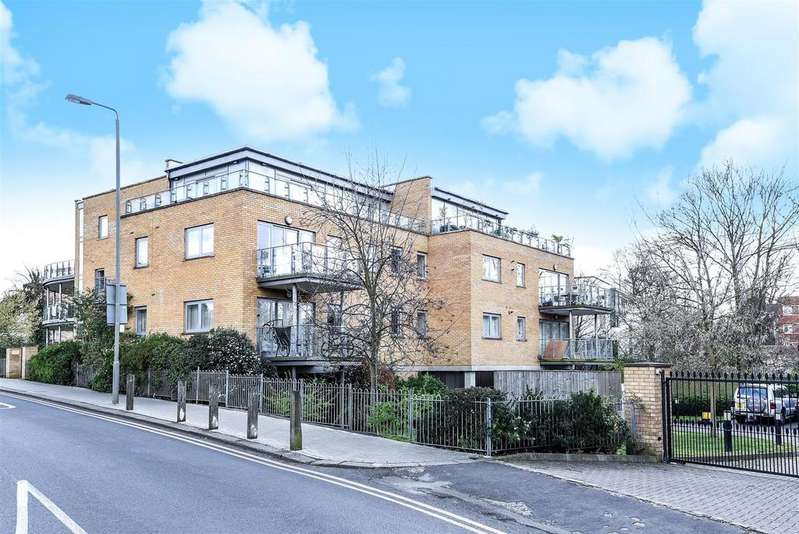 1 Bedroom Flat for sale in Dryburgh Road, Putney
