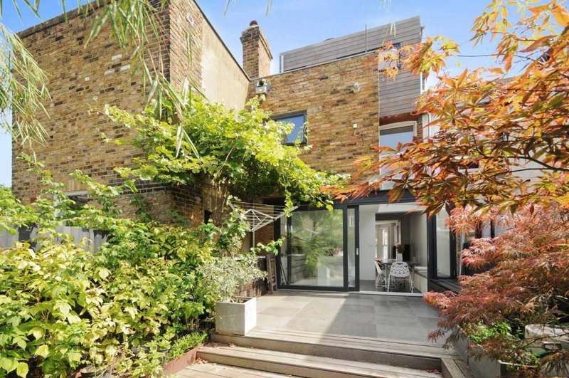 3 Bedrooms Terraced House for sale in Ravensworth Road, Kensal Green, London, NW10