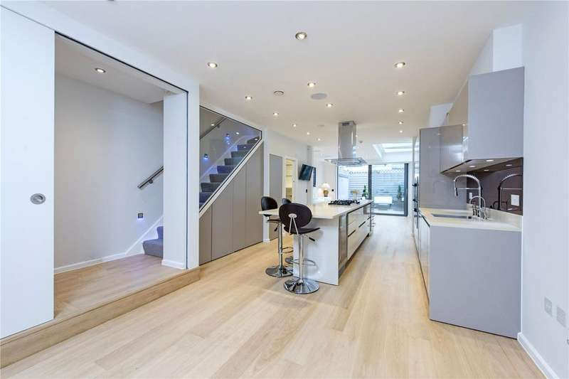 3 Bedrooms Terraced House for sale in Alma Road, London, SW18