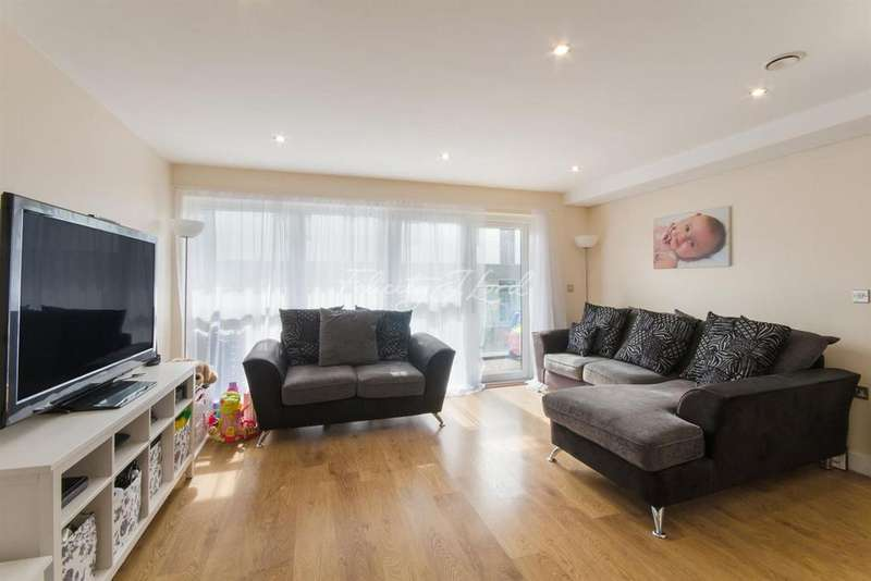 2 Bedrooms Flat for sale in Ronnie Scott House, E3