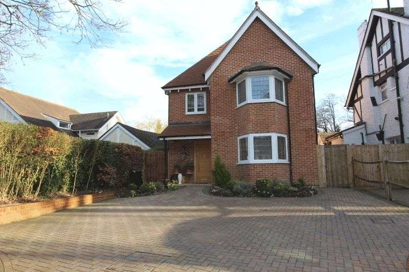 5 Bedrooms Detached House for sale in Foxley Lane, Purley