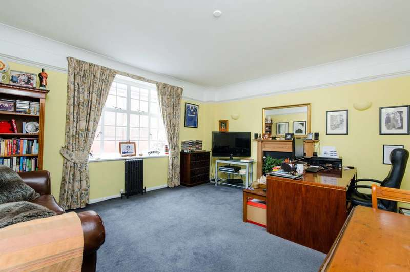 1 Bedroom Flat for sale in Drayton Gardens, Chelsea, SW10