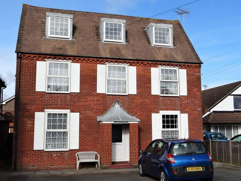 1 Bedroom Flat for sale in Grange Wood, Swansea Gardens, Bognor Regis PO21