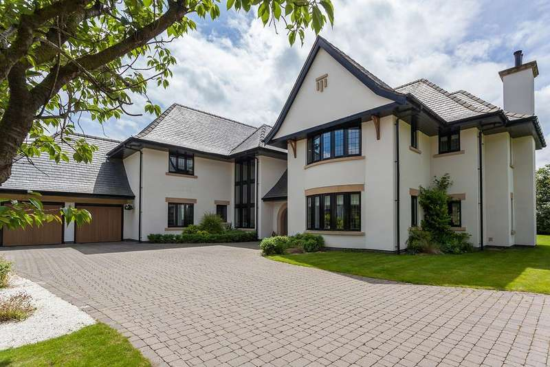 5 Bedrooms Detached House for sale in Yew Tree Way, Prestbury