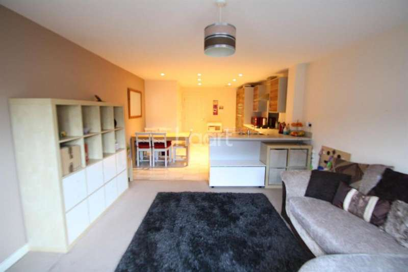 3 Bedrooms Terraced House for sale in Bristol