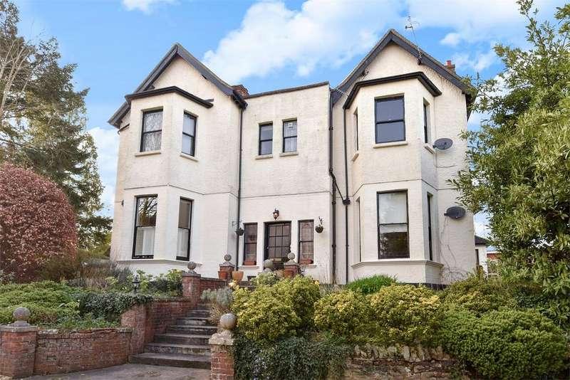 3 Bedrooms Flat for sale in Farnham, Surrey