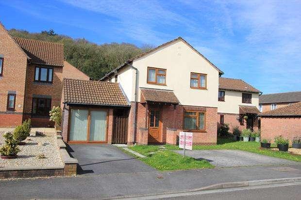 4 Bedrooms Detached House for sale in Lon Y Plas, Johnstown, Carmarthen, Carmarthenshire