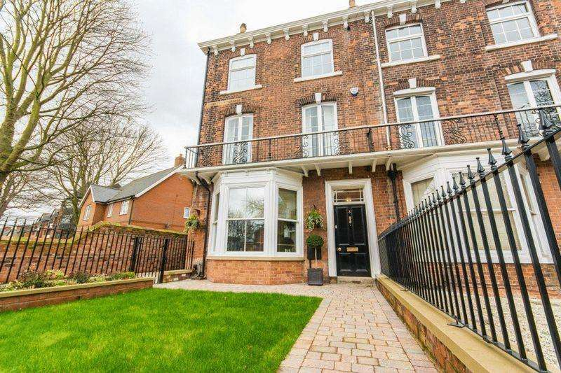 5 Bedrooms End Of Terrace House for sale in Bargate, Grimsby, DN34