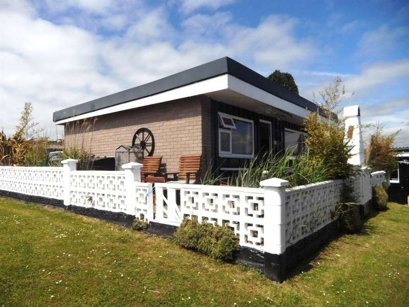 1 Bedroom Bungalow for sale in Fort Road, Lavernock, Penarth
