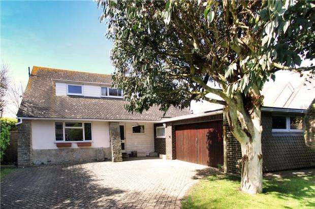 4 Bedrooms Detached House for sale in Sea Lane, Kingston Gorse, East Preston, West Sussex, BN16