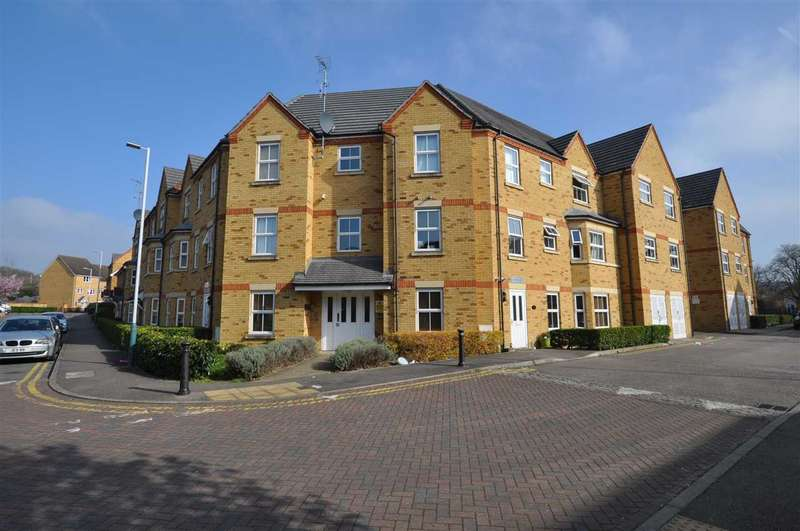 2 Bedrooms Apartment Flat for sale in Flat 5, 13 Bushy Close, Romford