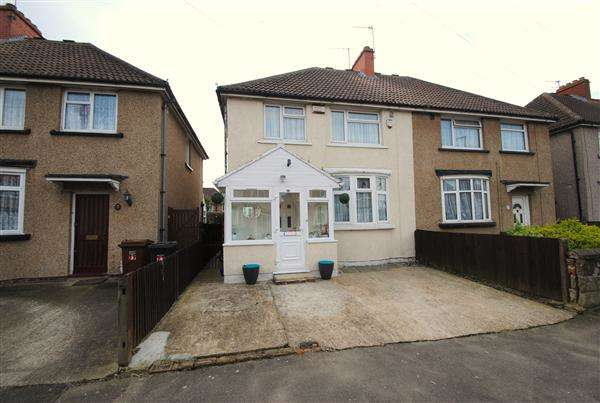 3 Bedrooms Semi Detached House for sale in Percival Road, Feltham