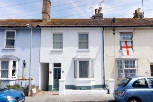 3 Bedrooms Terraced House for sale in Meeching Road, Newhaven, East Sussex