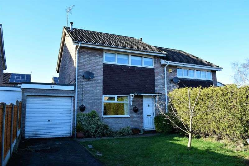 3 Bedrooms Semi Detached House for sale in St Bernard Close, Broughton