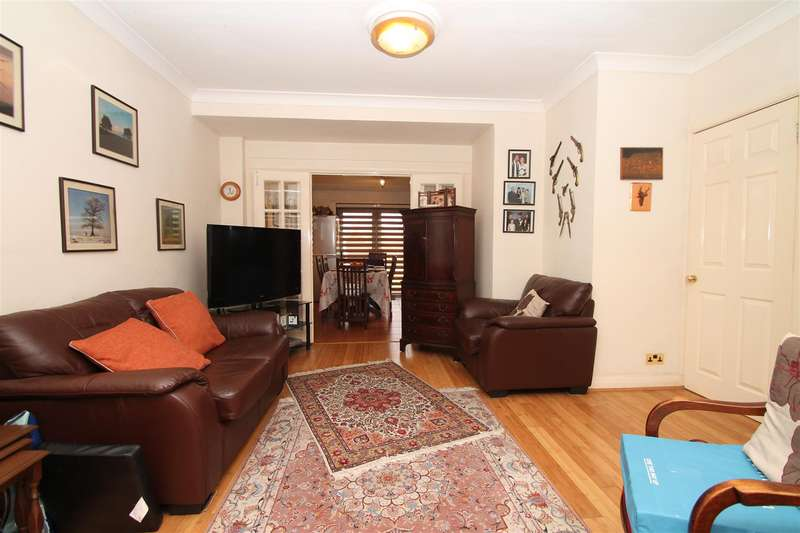4 Bedrooms House for sale in New Park Avenue, London N13