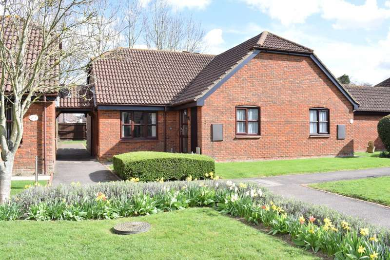 2 Bedrooms Bungalow for sale in Bramley Court, MARDEN