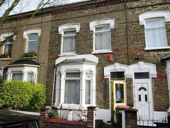 3 Bedrooms Terraced House for sale in Latimer Road, Forest Gate
