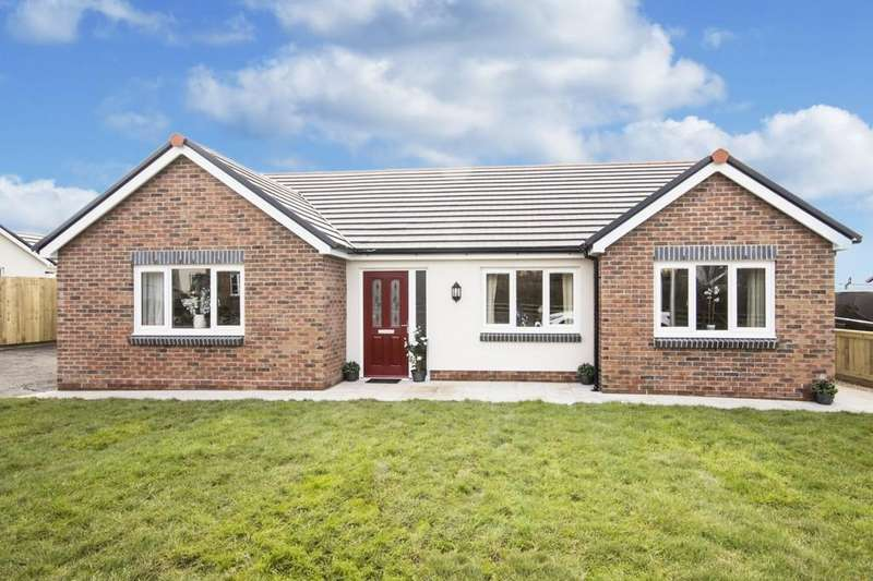 3 Bedrooms Detached Bungalow for sale in Rhos Y Bryn , Cefneithin